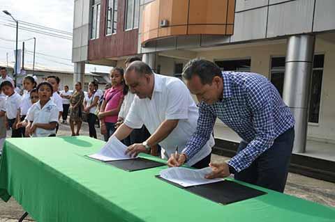Ratifica Enrique Álvarez Convenio con Universidad Politécnica de Tapachula