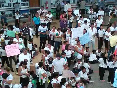 """Reclaman Fondos Autorizados Para Primaria """"República de Cuba"""""""