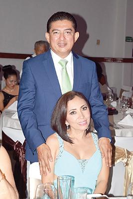 Jorge Flores, Fanny de Flores.