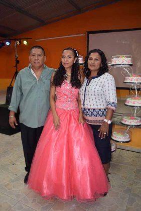 Juvenal Torres, Pamela Torres, Nolvia Flores.