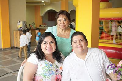 Magdalena Olvera, Lesvia Madrigal, José Lozano.
