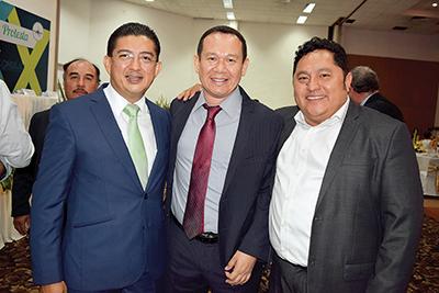 Jorge Flores, Carlos Rodríguez, Daniel Arévalo.