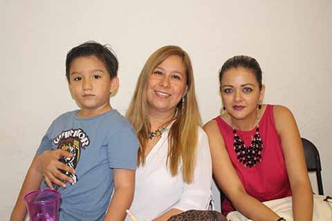 Santiago Méndez, Rosi Nivón, Erika Medina.