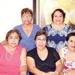 Ana Quintana, Rosaura Córdova, Elvira Domínguez, Rosario Wong, María Wong.