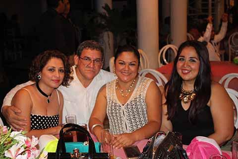 Candy Silva, Pedro Artiga, Mayte Citalán, Gabriela Lugo.