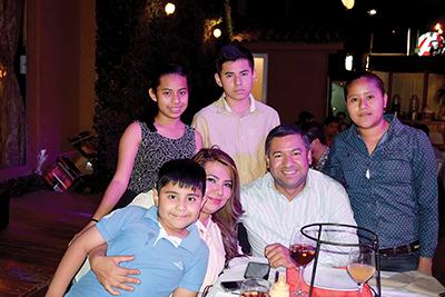 Familia Reyes Cigarroa.