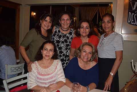 Malú Altamirano, Lupita Troncoso, Lulú Tellez, Vicky Martínez, Magda Wong, Lulú De Gyves.