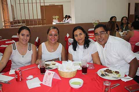 Edith Moreno, Itzia Martínez, Rosita Trujillo, Rubén Zúñiga.