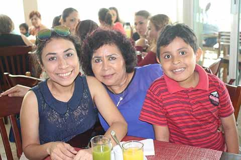 Cassandra Ojeda. Evila Jiménez, Isaí Robledo.