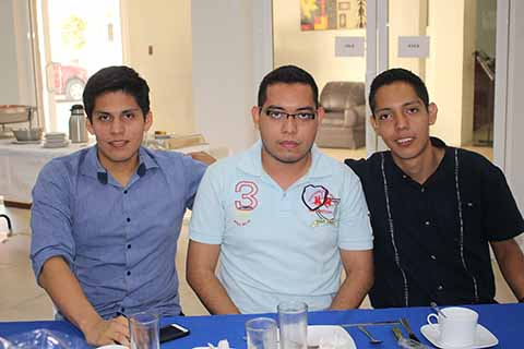 Alberto Córdova, Claudio Altúzar, Efraín Pineda.