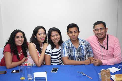 Lilian Orantes, Astrid García, Erika Cossío, Eduardo Robles, Raúl Gova.