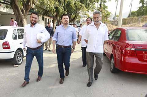 Fernando Castellanos Inaugura Calles en la Colonia Moctezuma