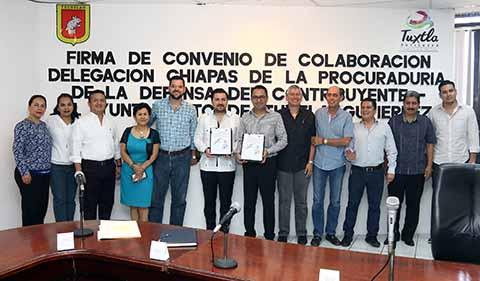 Firma Fernando Castellanos Convenio en Favor de la Economía Tuxtleca con PRODECON
