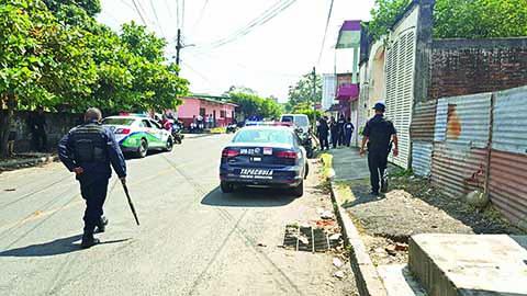 Fuerte Movilización Policiaca por Presuntos Cantoneros