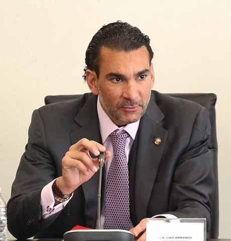 Impulsa Senador Melgar Recorte al Presupuesto de los Partidos Políticos