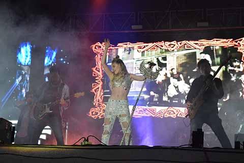 Belinda Abarrotó la Feria Mesoamericana