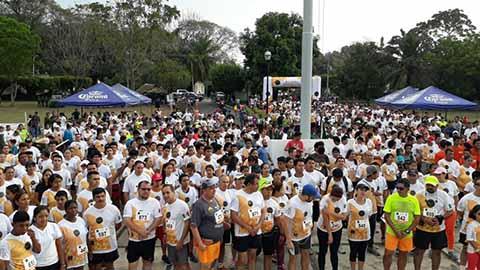 En las instalaciones de la 36ª Zona Militar, se llevó a cabo una carrera atlética conmemorando los 100 años de la Escuela Médico Militar.