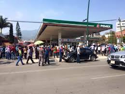 Maestros de la CNTE Protestan Tomando Gasolineras en Tuxtla