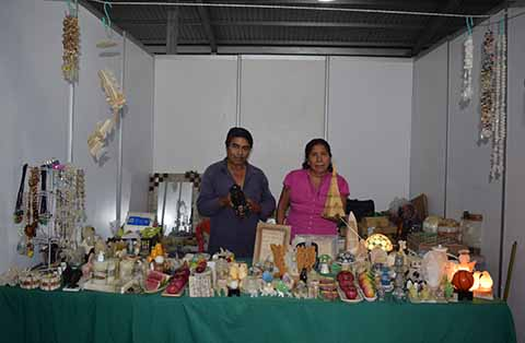 Directamente del estado de Puebla, figuras decorativas para oficina y el hogar, tallada sobre mármol y ónix, serán atendidos por los señores Julio Rodríguez y Julia Hernández.