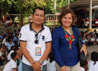 Moisés Tolentino, maestro de lectura infantil; Norma Arellano, Directora casa de cultura de CONECULTA Tapachula.