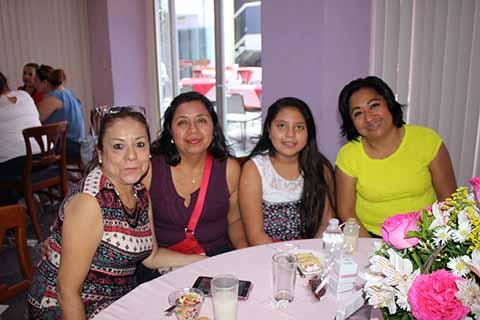 Tere de Díaz, Arely Pérez, Aileen de los Ángeles, Aurora Gutiérrez.