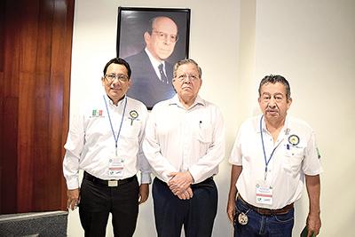 René Simón, Saúl Treviño, José Gordillo.