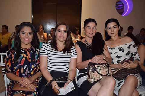 Suemy Camarena, Paola Murillo, Silvia López, Daniela López.