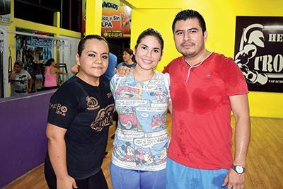 Antonio Hernández, Monserrat de la Rosa, Karen Cacao.