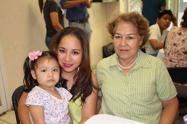 María José Ortiz, Ania Sierra, Lolis Flores.