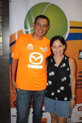 Luis Gómez, Sheila Horita.