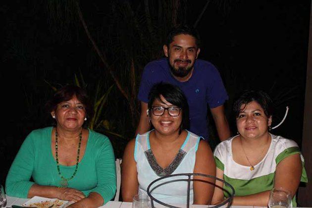 Guadalupe Cordero, Karla González, Daniel Jiménez, Lorena González.