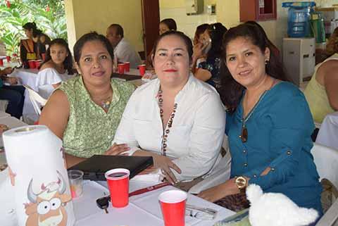 Ana Cruz, Leticia Guzmán, Toñita Aguiar.