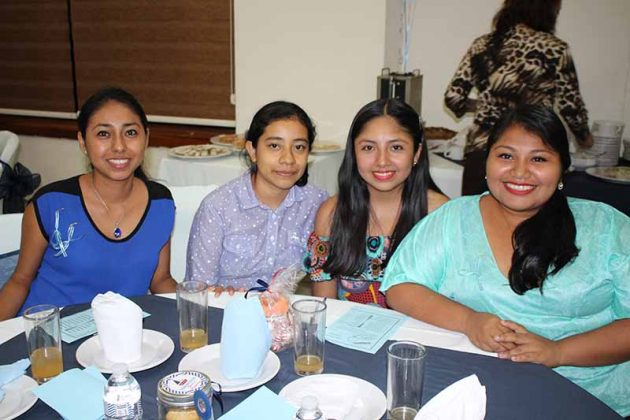 Carolina García, Teresa Hernández, Iris Ledesma, Danahe Victorio.