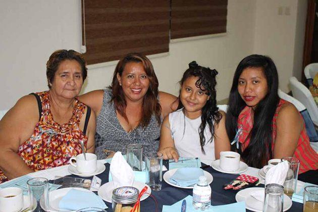 Norma Velarde, Aurora Cortés, Kimi Mendoza, Katy Cortés