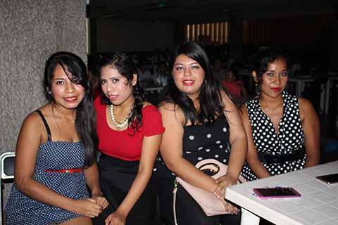 Karla Hernández, Carolin Castillo, Miriam López, Jessica Martínez.