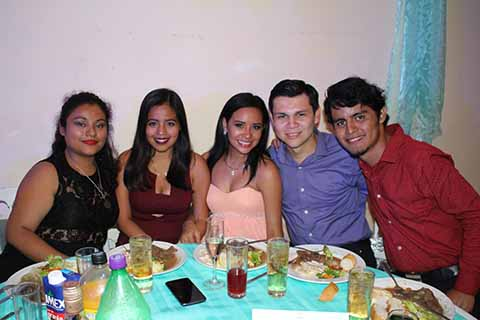 Fernanda Caballero, Danna Solís, Jackeline, Gabriel Peña, Roberto Ruiz.