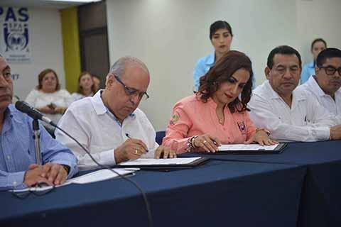 Firman Administración Central de la UNACH y el SPAUNACH el Contrato Colectivo de Trabajo