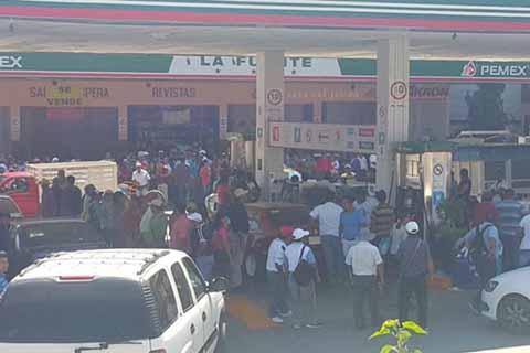 Gasolineras en Tuxtla Suspenden Servicio 24 Horas