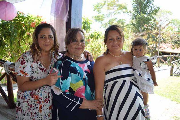Gabriela Tirado, María Luisa Ruiz, Lizzet Tirado, Kamila Mendoza.