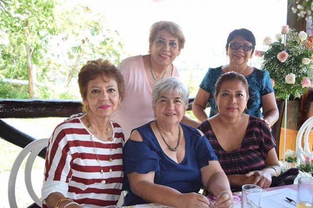 Silvia, Tere Cancino, Pichi Cancino, Sandra García.