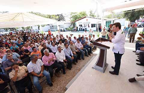 El Gobernador también tomó protesta a integrantes de la Unidad de Inteligencia Sanitaria del Estado.