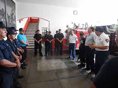 En la ceremonia de entrega de uniformes, el Patronato de Bomberos ratificó a Pascual Andrés Luna Aceituno, como Comandante Operativo del cuartel en los dos turnos.
