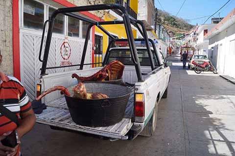 Dan Uso Particular a Vehículo Oficial de Mazapa de Madero
