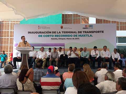 Inaugura Terminal de Transporte en Huixtla