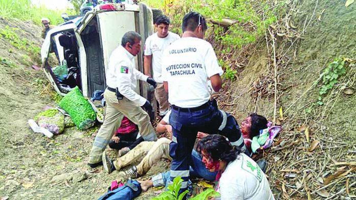 Cinco Lesionados en Volcadura
