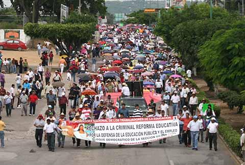 Protestan Maestros Contra las Reformas Estructurales Federales