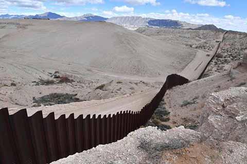 Inicia Licitación Para el Muro de Donald Trump; Mas de 500 Empresas Interesadas en Participar