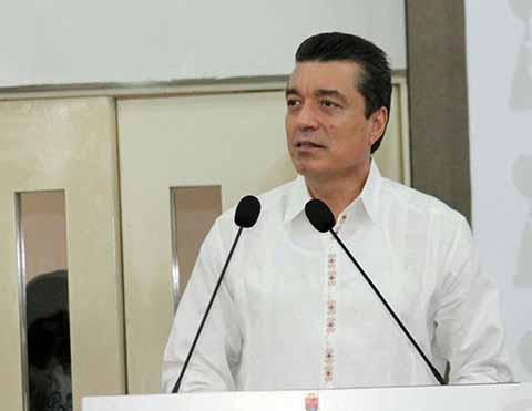 Preside Rutilio Escandón Foro Jurídico con Sectores