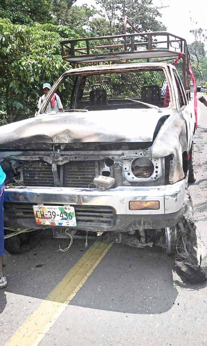 Camioneta Terminó Reducida a Chatarra