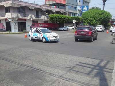 Conductor de Vehículo de Lujo Causa Accidente